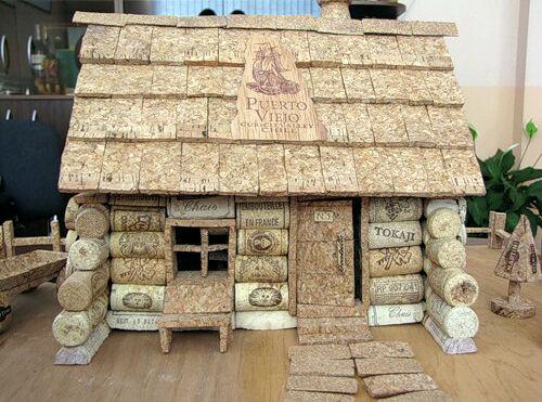 Как из пробок сделать домик для
