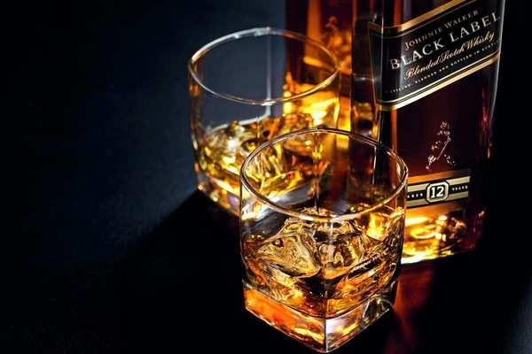 Как проверить и отличить подделку виски Red Label и Black